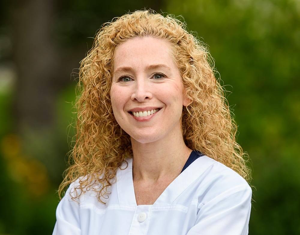 Dr Melanie Kessler DMD